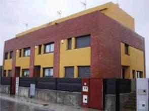 Casa adosada en venta en Avenida Miquel Marti I Pol, nº 27