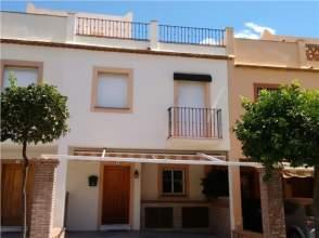 Casa adosada en venta en Estepona Este - El Padrón - El Velerín - Voladilla