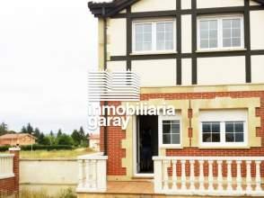 Casa adosada en venta en Medinabella I