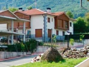 Casa pareada en venta en calle Txoritai