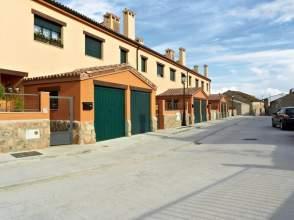Casa adosada en alquiler en Garcillán