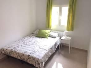Habitación en alquiler en calle Pobla de Segur, nº 2