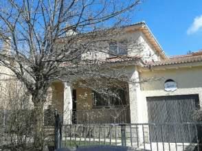 Chalet pareado en venta en Avenida El Tejar