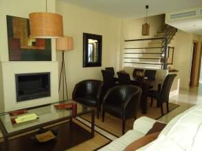 Casa adosada en venta en calle Victoria Kent,  2, Aljaraque por 219.000 €