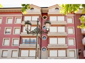 Piso en venta en calle Virgen de La Vega. Alemania,  43-44