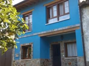 Casa pareada en venta en Avenida La Riera