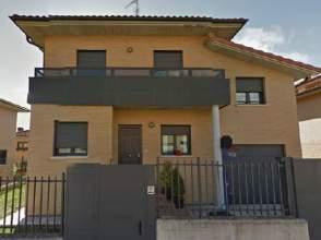Casa unifamiliar en venta en calle Pablo Neruda, nº 17