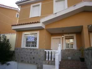 Chalet pareado en alquiler en calle El Pino