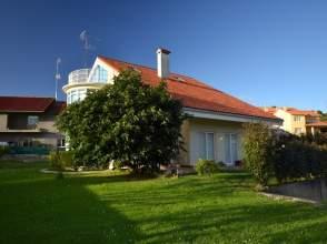 Casa unifamiliar en venta en calle Piñeiro