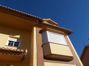 Casa pareada en alquiler en Naranjos.