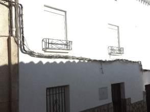 Casa adosada en venta en calle Madera