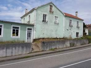 Casa adosada en venta en calle Mosende