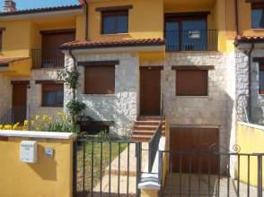Casa adosada en alquiler en calle Alcalde Jose Luis Valenciano, nº 40