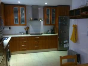 Casa adosada en venta en Paseo  Condes de Vistahermosa , nº 24