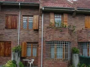Casa adosada en alquiler en calle Republica Filipinas, nº 17