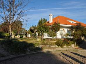 Casa unifamiliar en venta en Urbanización los Naranjos, nº 3