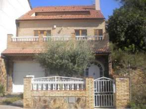 Casa adosada en alquiler en calle Monjuic