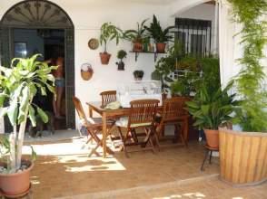 Casa adosada en venta en calle Tesorillo