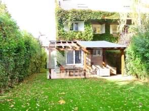 Casa aparellada a calle Ágata