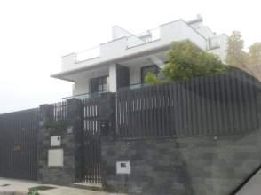 Chalet pareado en calle Durazno