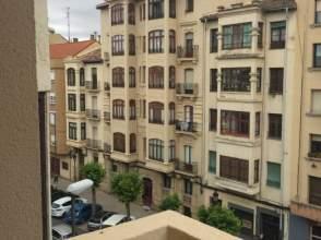 Piso en calle Avd Navarra