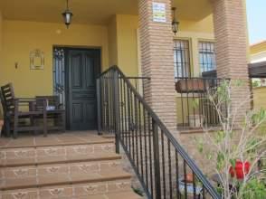 Casa pareada en calle Tucan