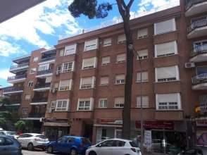 Piso en calle Navarro y Ledesma