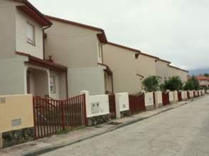 Casa pareada en calle Maximo Martinez, nº 16