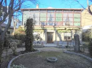 Casa en calle Eduardo Marquina, nº 5