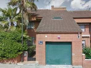 Casa pareada en calle Albinoni