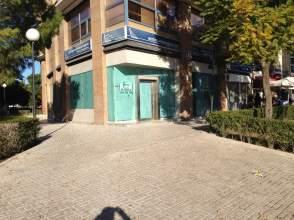 Local comercial en Avenida Alcalde Luis Uruñuela, nº 1