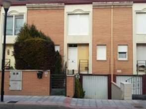 Casa adosada en calle Gregorio Corrochano