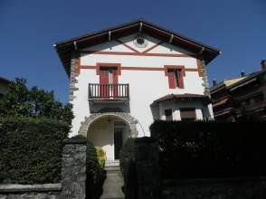 Casa unifamiliar en calle Reina Fabiola