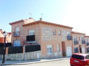 Casa adosada en calle Caño