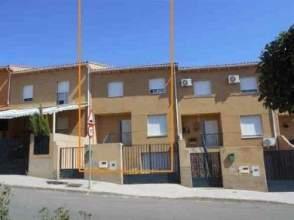 Casa adosada en calle de Monfrague, nº 10