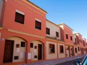 Casa adosada en calle Maestro Jose Perez Hidalgo, nº 71