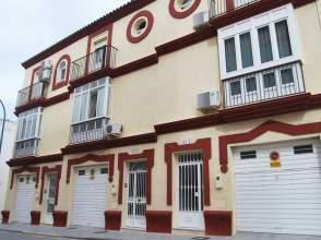 Casa adosada en Avenida La Libertad