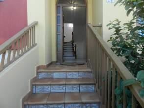Casa adosada en calle Sebastian Machado  en  Tacoronte