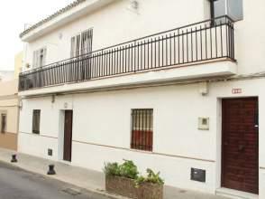 Casa adosada en calle Diego de los Reyes