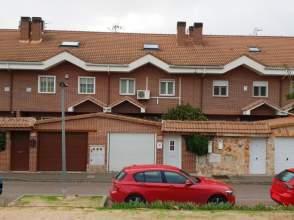 Casa adosada en Rivas Pueblo