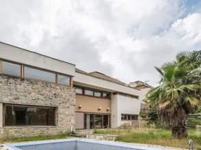 Casa pareada en Urbanización