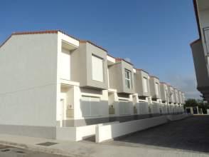 Casa adosada en calle calle Colon