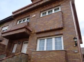 Casa pareada en calle Ciclon