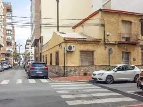 Casa en calle Zona Avda. Teodomiro