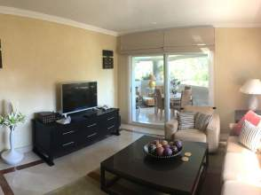 Apartamento en Los Naranjos-Las Brisas