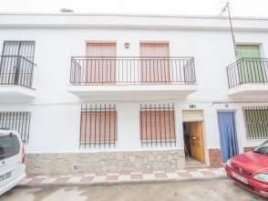 Casa adosada en calle Gardemia, nº 12