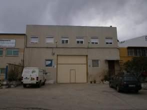 Nave industrial en Polígono La Caharluca, nº C