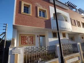 Casa adosada en Ronda Cañada Real, nº 1