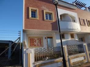 Casa adosada en calle Cañada Real, nº 1