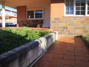 Casa adosada en  Barrio Urdiales,  13